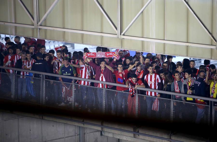 Derbi Oviedo - Sporting: La afición del Sporting y del Oviedo se concentra en el Tartiere