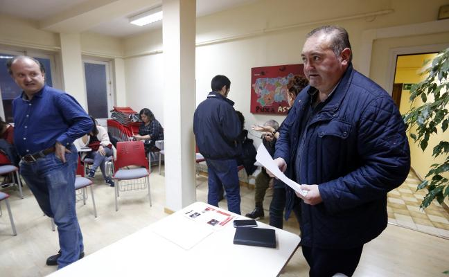 Ultimátum de cargos de IU a Argüelles: «O está con Garzón o está con Asturias»