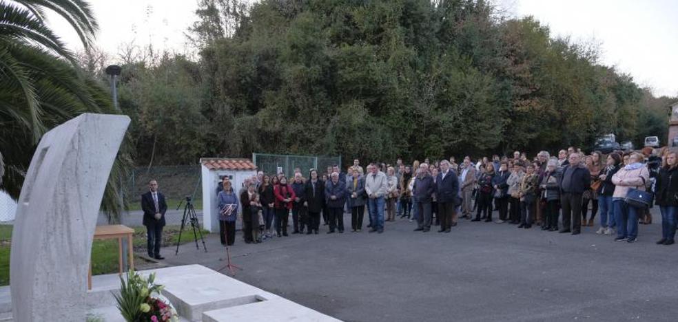 Colombres rinde homenaje a las víctimas del accidente de Buelna