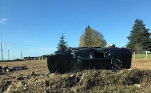 Espectacular accidente en la carretera de Quintes