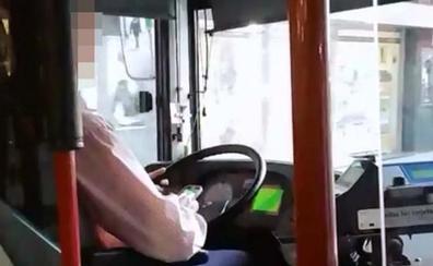 EMTUSA abre expediente al chófer que conducía con el móvil