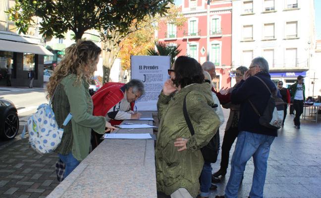 Más de 200 firmas para apoyar la compra del teatro