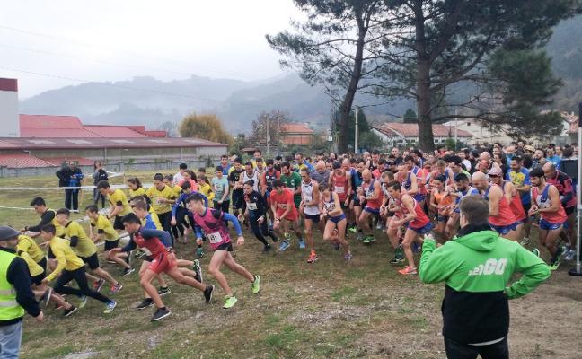 300 atletas en la carrera solidaria de Cafés Toscaf