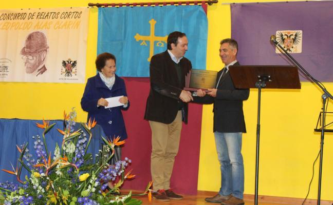 Antonio Tocornal gana el concurso de relatos de la Sociedad Clarín