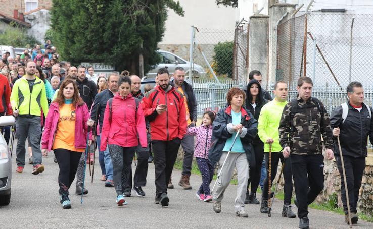 Marcha solidaria por la pequeña Xana en Illas