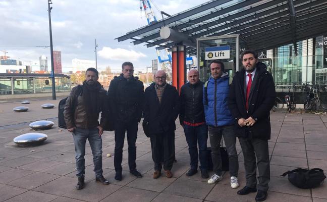 La plantilla pide al Gobierno que paralice el ERE de Alcoa ante el retraso en el fallo holandés