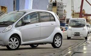 El Gobierno insiste en que es «razonable» el plazo de 20 años para implantar el coche eléctrico