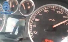 Detienen a un menor que conducía a 160 kilómetros por hora «jaleado» por su padre, que lo grabó con el móvil