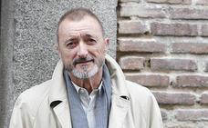 Pérez-Reverte estalla ante un error de La Sexta Noche en Twitter: «Yo no he dicho esa gilipollez»