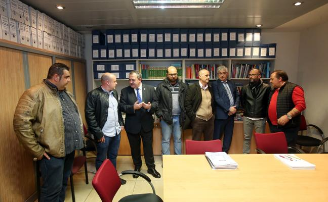 El Principado y los sindicatos dan un ultimátum a Alcoa para que retire el ERE de inmediato