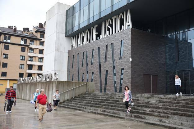 El juicio por abusos sexuales a una mujer inconsciente queda suspendido por falta de magistrados para constituir el tribunal