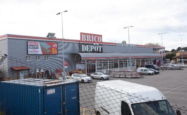 Brico Depôt abandona España y busca un comprador para sus tiendas, incluida la de Corvera
