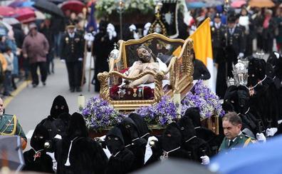 Felipe VI acepta ser hermano mayor honorario de la Cofradía del Santo Entierro