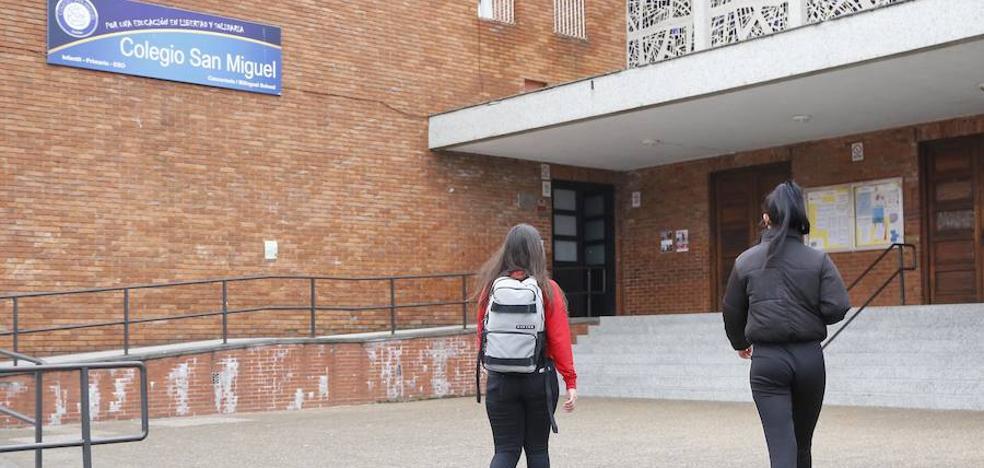 Archivan la causa por abuso sexual a la profesora del colegio San Miguel acusada de mantener una relación con un alumno