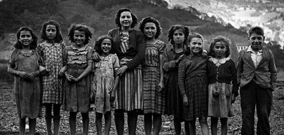 La mujer minera, protagonista del calendario 2019 del Montepío