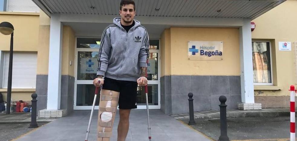 Isma Cerro abandona el hospital tras la operación en la rodilla