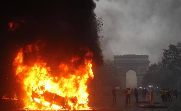 El caos y la anarquía se apoderan de París
