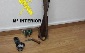 La Guardia Civil sorprende a un cazador furtivo en Mieres