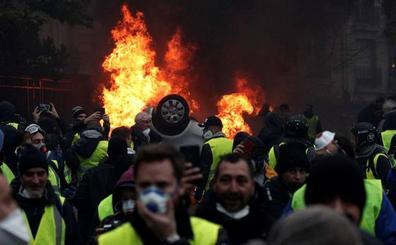 El Gobierno francés cita a los 'chalecos amarillos' tras consultar a la oposición