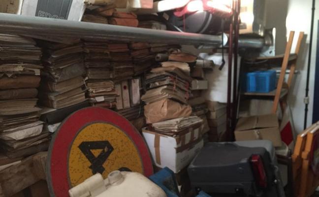 Cudillero niega haber destruido documentos del archivo municipal