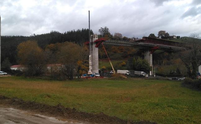 Fomento lleva invertidos este año 5,4 millones en el tramo Cornellana-Salas
