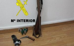 Sorprenden en Mieres a un furtivo con una escopeta