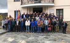 Pasión y orgullo por el Real Oviedo de los afcionados del occidente asturiano