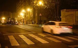 Atropellan a una mujer mientras cruzaba un paso de peatones en Oviedo