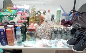 Detenidos dos avilesinos por robos en cinco supermercados de El Bierzo