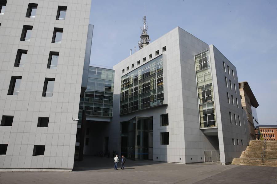 La Fiscalía pide nueve meses de prisión para un hombre que se masturbó frente a un colegio de Oviedo