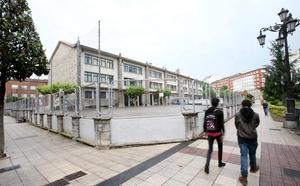 El acusado de exhibicionismo ante un colegio de Oviedo se enfrenta a 9 meses de prisión
