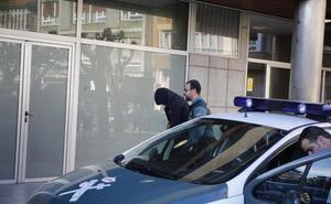 Libertad con cargos para los tres atracadores de Lena que integraban una «cooperativa» de hurtos