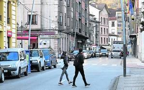 Los vecinos de Infiesto piden mejoras en la seguridad vial tras los últimos accidentes