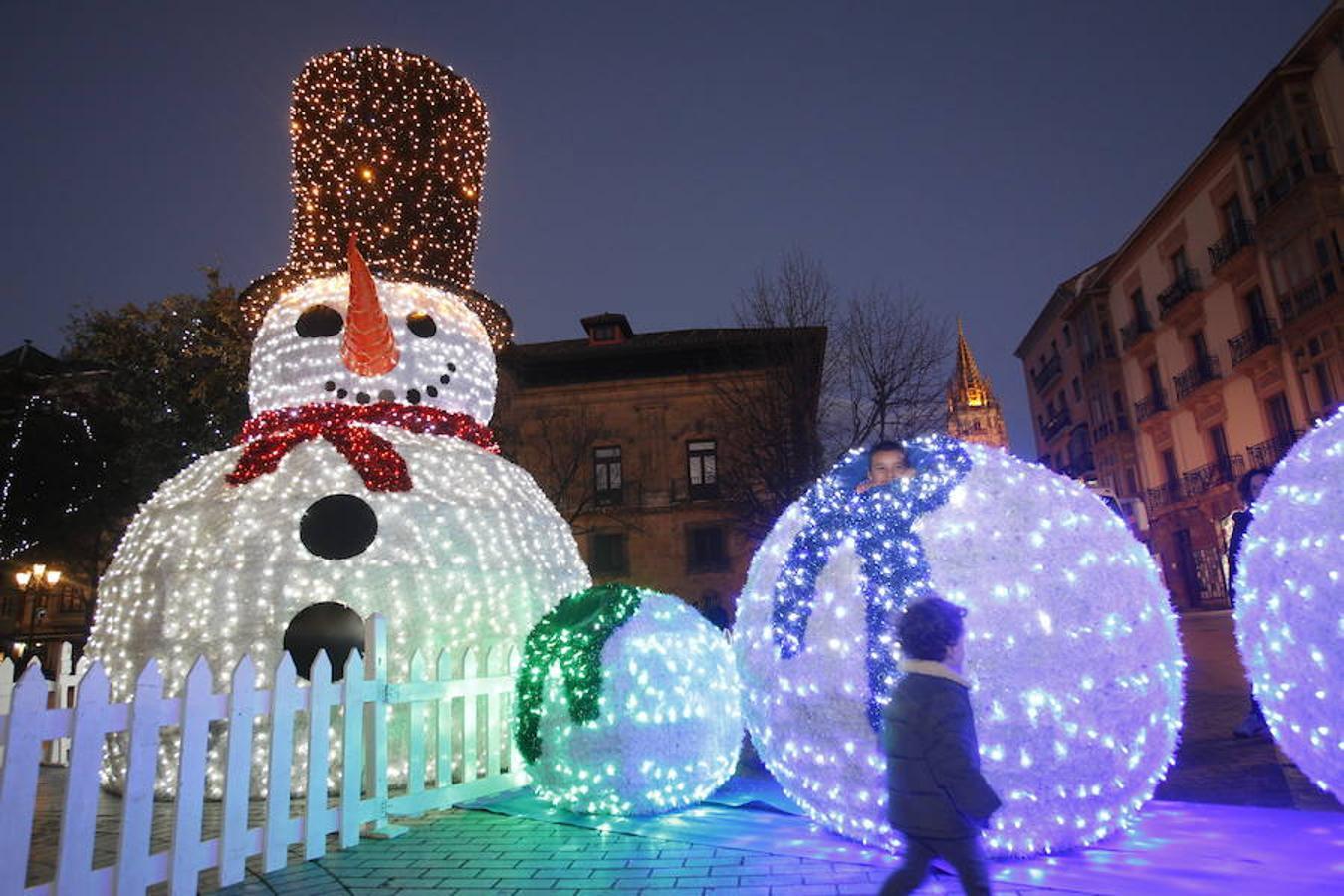 La Navidad llega a las calles de Oviedo