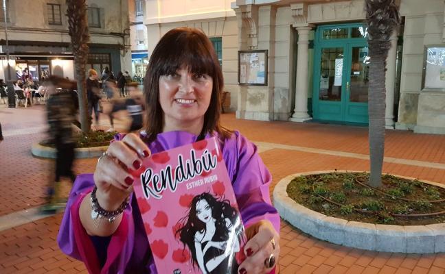 La valdesana Esther Rubio presenta su poemario 'Rendibú'