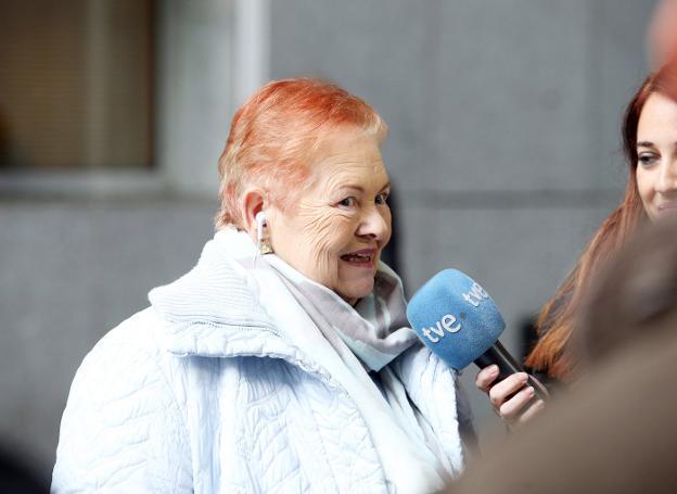 Una ovetense de 75 años reclama investigar si es hija de la Duquesa de Alba 40334235--624x455