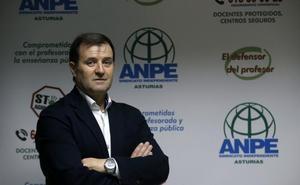 «Permitir aprobar Bachillerato con un suspenso lanza un mensaje demoledor»