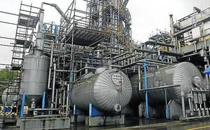 Fallece uno de los trabajadores electrocutados en Química del Nalón
