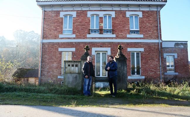 Somos propone abrir la Casa Correos de Lieres como sede para el plan de empleo