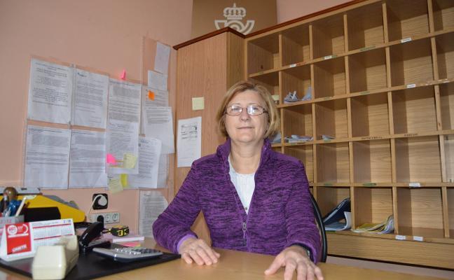 La cartera de Navelgas se jubila tras veintiún años de servicio