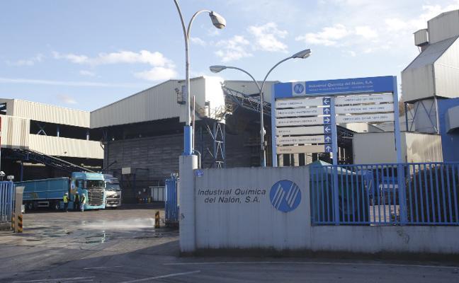 Fallece uno de los dos trabajadores electrocutados en Química del Nalón
