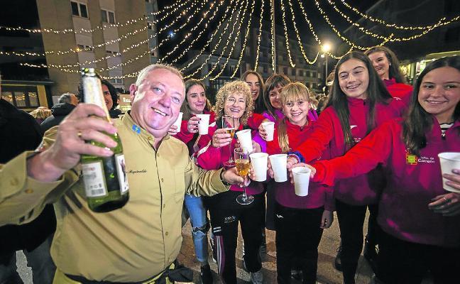 El Farolero enciende la Navidad en Candás