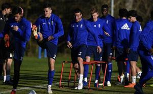 El Real Oviedo recibe con los justos al Almería