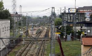 Una avería en la catenaria corta el tráfico ferroviario entre Gijón y El Berrón durante tres horas