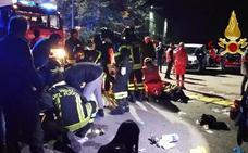 Cinco menores y una madre mueren en una estampida en una discoteca de Italia