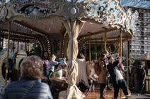 La Navidad invade el Mercado de Gijón