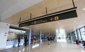 El Principado dice que sigue «trabajando intensamente» para mejorar la oferta aérea