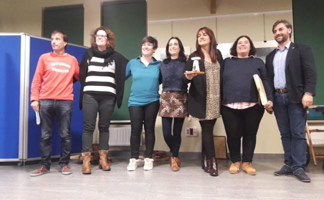 Muyeres recibe el premio Joaquín Lloris por recuperar la música tradicional