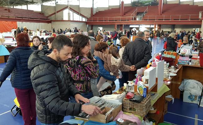 Vegadeo pone a la venta artículos de segunda mano en su segundo mercado