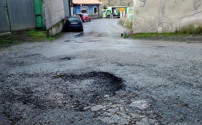 IU de Corvera y de Avilés buscan una solución para la calle La Unión